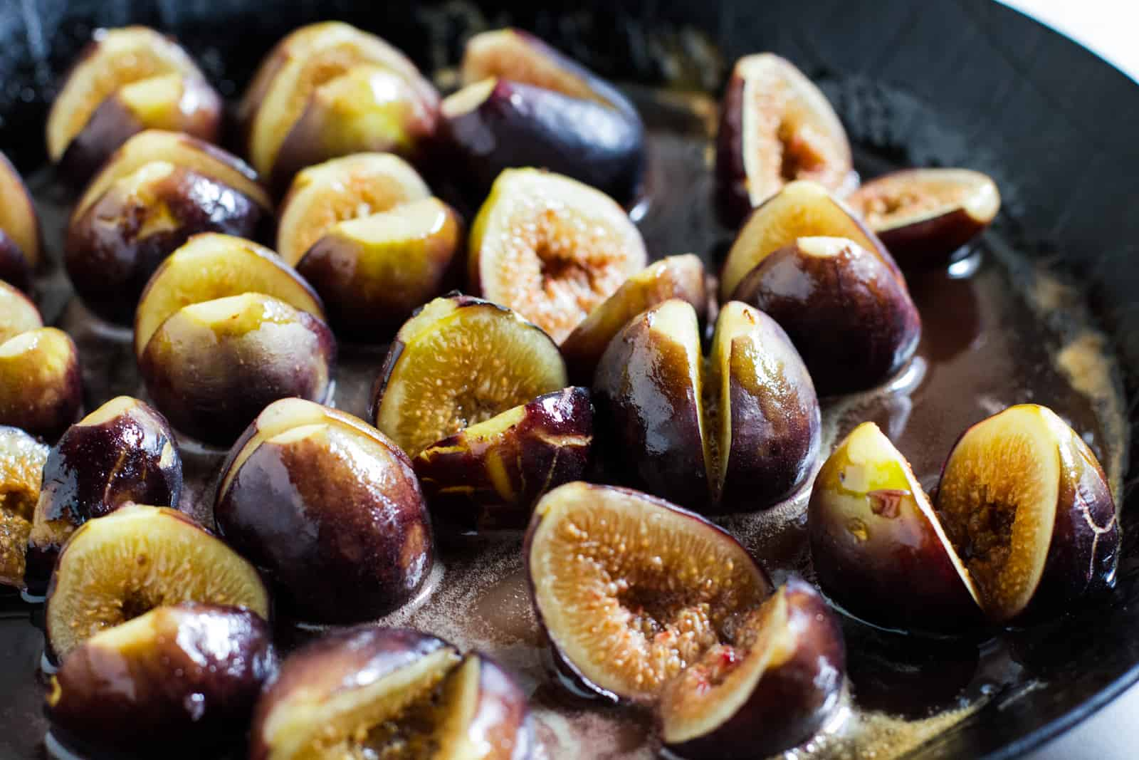 Skillet of honey figs