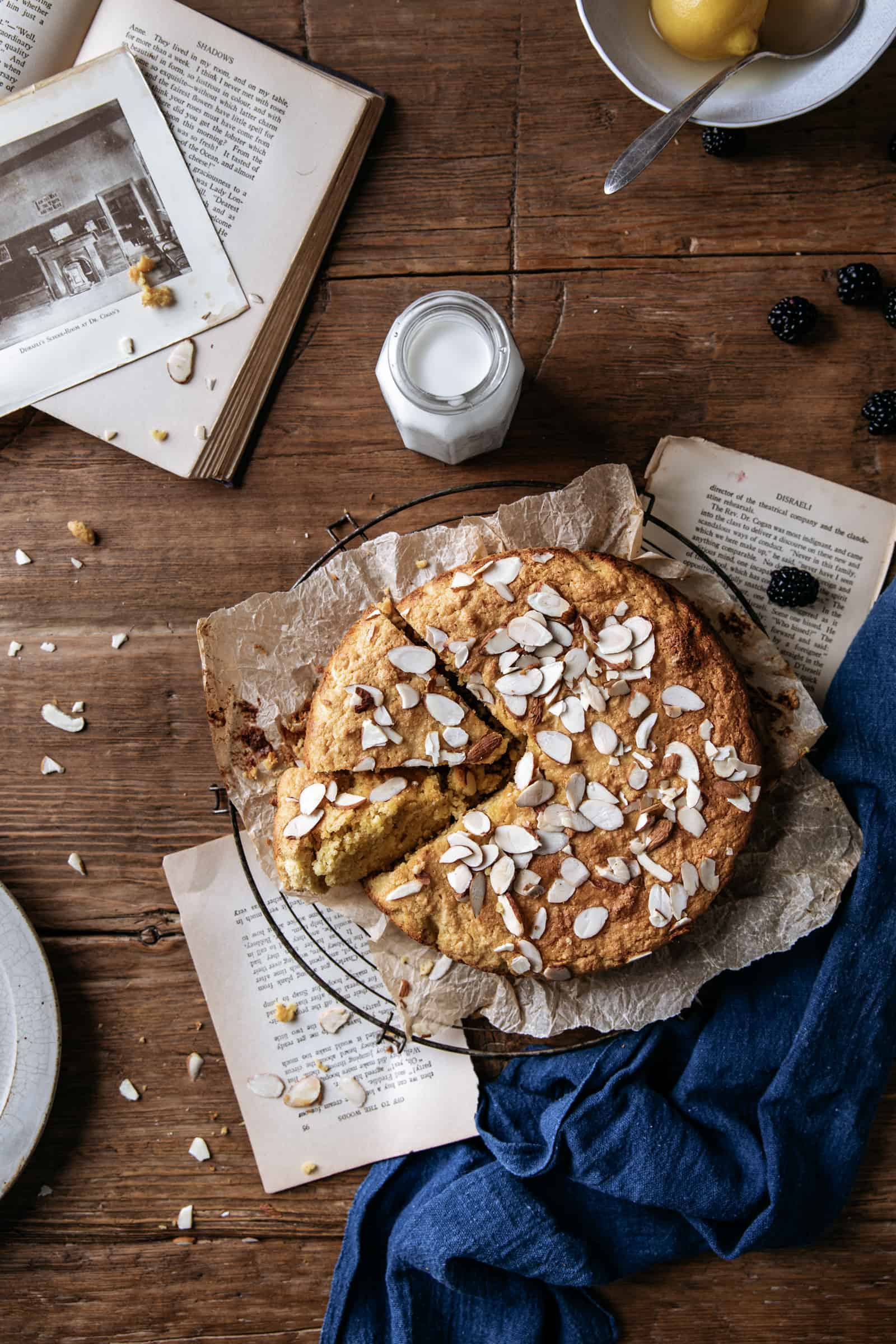 Undusted flourless cake